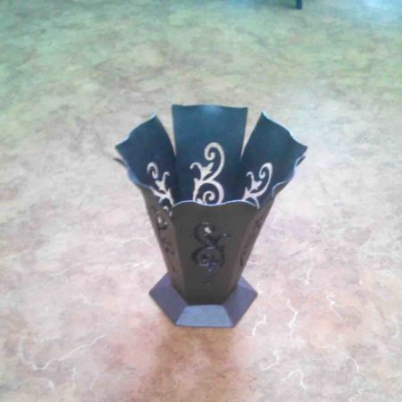 Ваза на могилу железная. Цвет темное серебро
